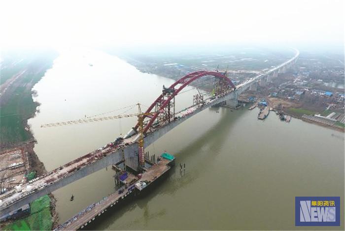 商合杭铁路跨淮河特大桥 钢管拱提升合龙